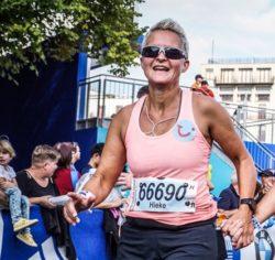 Na 1 stap over de finish denk ik: misschien nog wel eens een marathon! En dan zeker weer met Sportrusten!