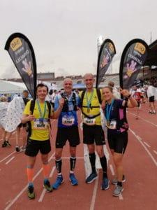 De marathon en de voorbereiding loop je echt met een glimlach en af en toe een grimas.
