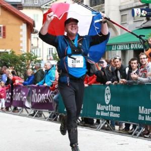 hardlopen_Esther Vliege_Marc Harens_Marathon Mont Blanc_finish